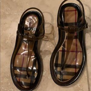 Burberry sandals size 5